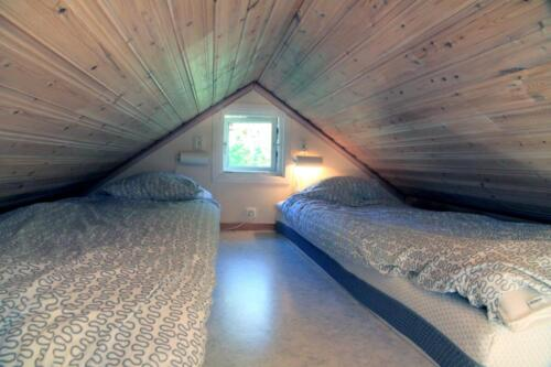 Sleeping loft 4 bed house